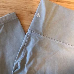 Lululemon | Pale Grey Ankle Length Legging | Small
